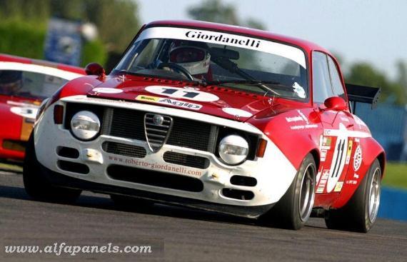 Alfa racer, Roberto Giordanelli uses panels from www.Alfapanels.com